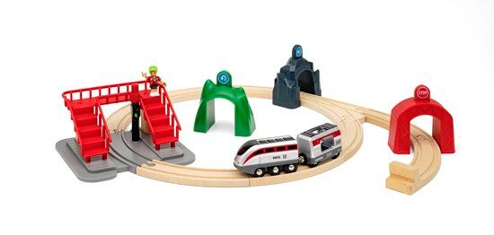 Smart Tech Engine Set with Action Tunnels - Brio