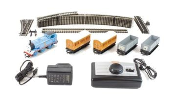 Thomas & Friends - Thomas Passenger and Goods Train Set - Hornby
