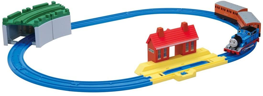 Thomas and Friends Maron Starter Set - Includes Thomas with Annie and Clarabel - Plarail