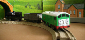 BoCo -TOMY THOMAS AND FRIENDS / TRACKMASTER