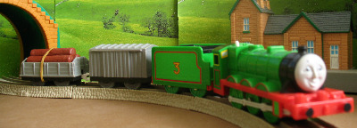 HENRY -TOMY THOMAS AND FRIENDS / TRACKMASTER