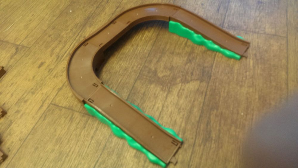 Green/Brown Track - Tomy