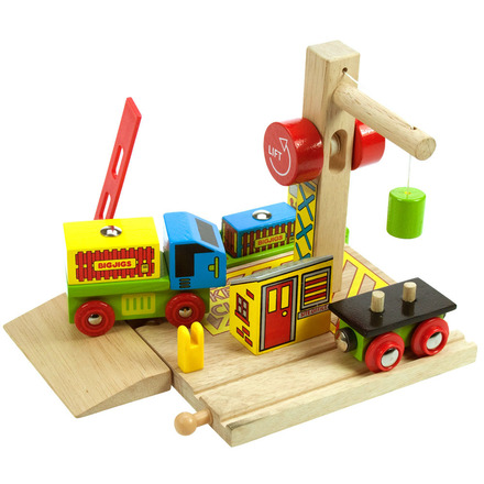 Container Shipping Yard - BigJigs Rail