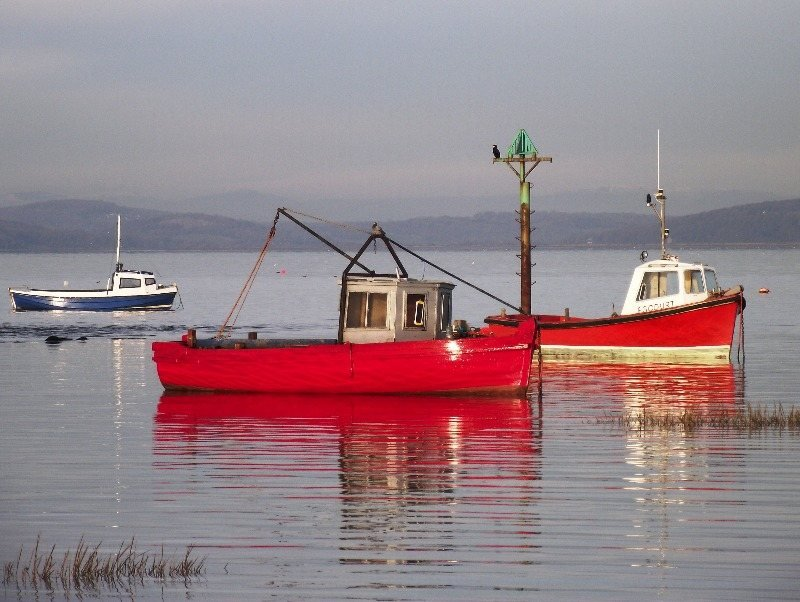 boats-2nd-red-boats-Morecambe-Bay