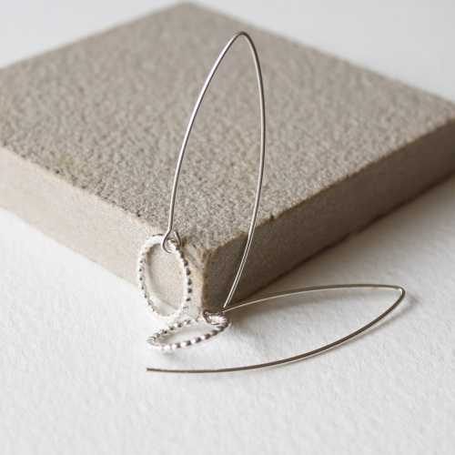 <!-- 07 -->Amelia earrings