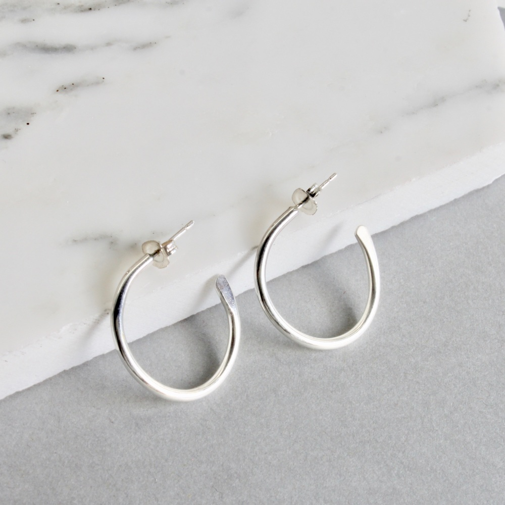 <!-- 001 -->Tapered Hoops