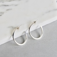 <!-- 002 --> Signature Small Tapered Hoops