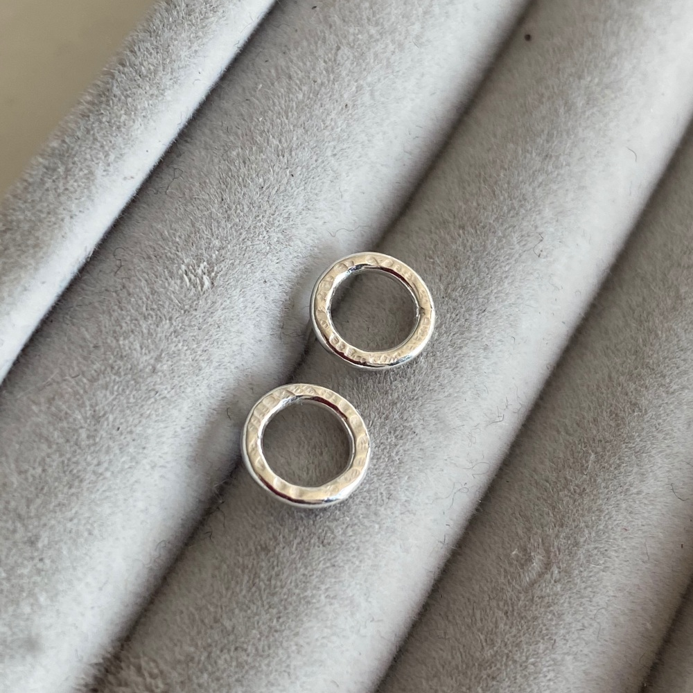 <!-- 005 -->'Simples' Stud Earrings