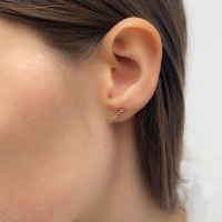 <!-- 006 -->Mini Dot Bar Earrings