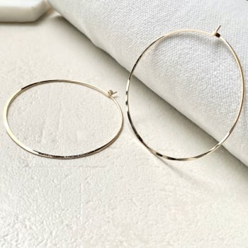 Large Signature Hoops
