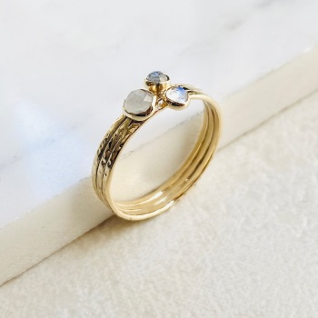9ct Three stone Moonstone gold ring
