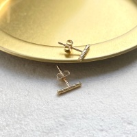 <!-- 001 -->Faceted bar studs
