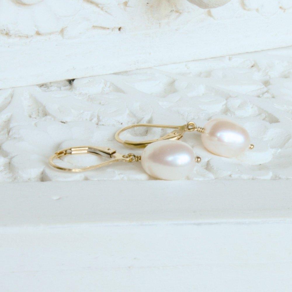 Infinity  Silver Pearl earrings