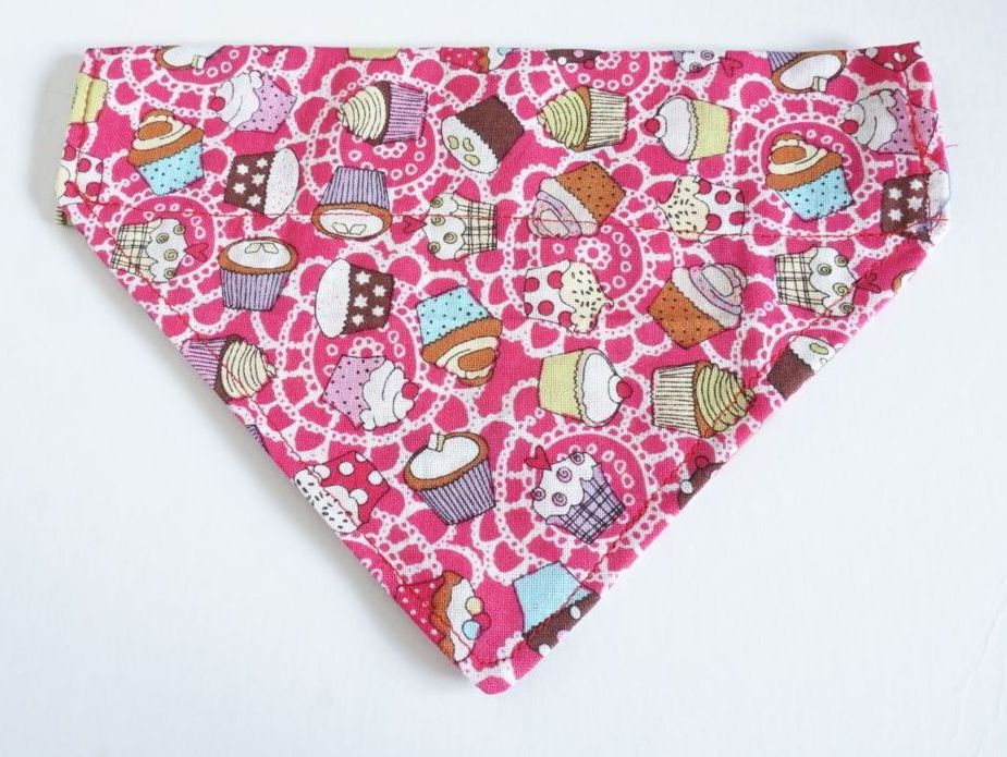 Pink Cupcakes Over Collar / Collar Slide Dog Bandana