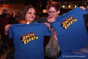 Jeremy Corbyn t-shirt - Medium