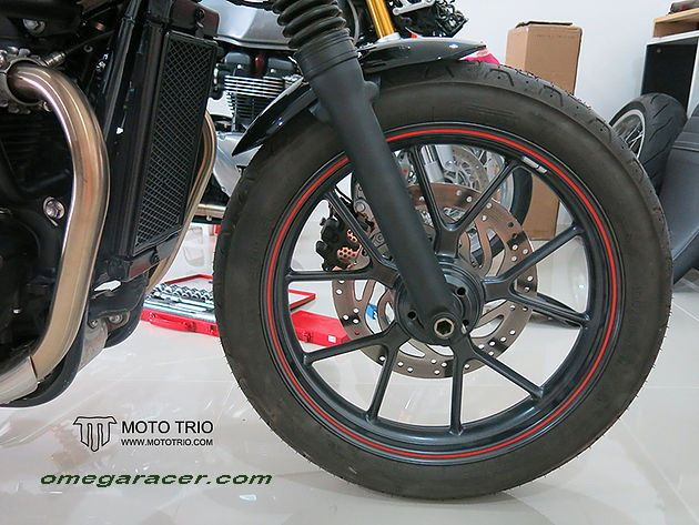 OmegaRacer Triumph Street Twin MotoTrio short front fender (5)