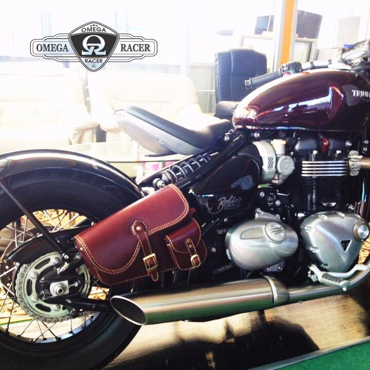 OmegaRacer Triumph Bobber leather side bag (1)
