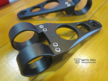 MotoTrio - T120 Headlight Bracket - 41mm
