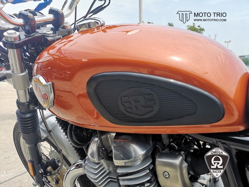 OmegaRacer MotoTrio Royal Enfield Tank Pads (4)
