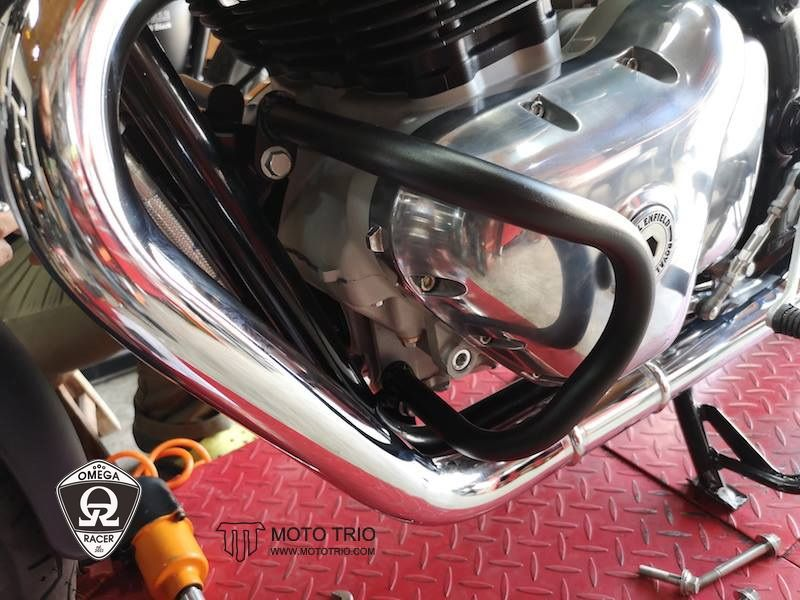 OmegaRacer MotoTrio Royal Enfield crash bars (5)