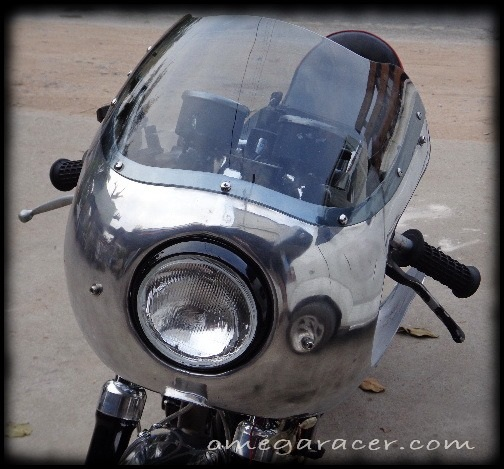 Kawasaki W650 1/2 Fairing Fitted Front Quarter