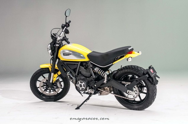 ducati-scrambler-up-close-23