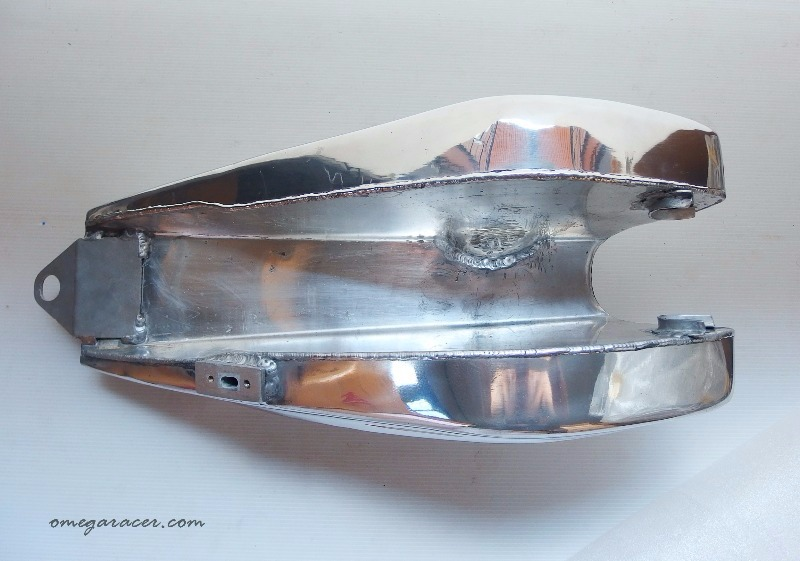 the wedge yamaha sr aluminium tank (9)