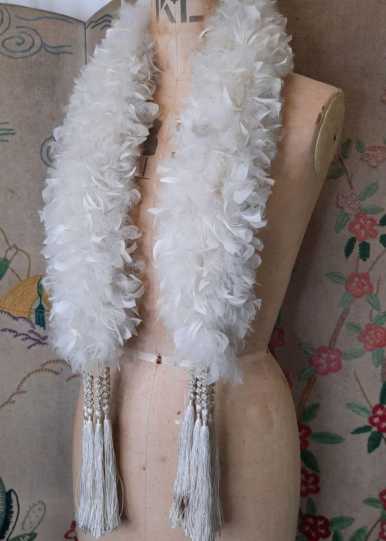 Short Feather Boa