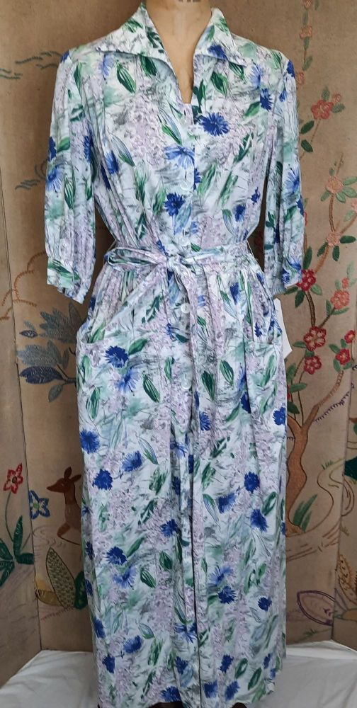 1950s Blue Floral Housecoat