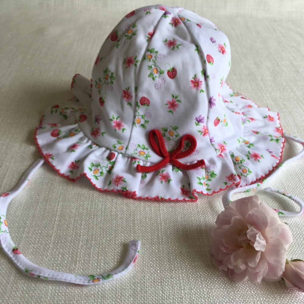 Red Berry Hat by Kissy Kissy