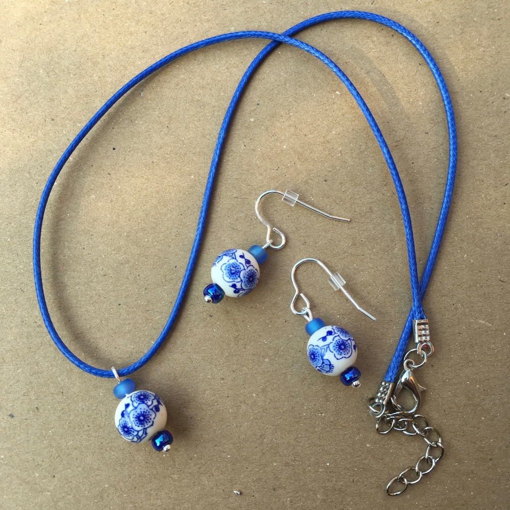 Blue Floral Bead Set