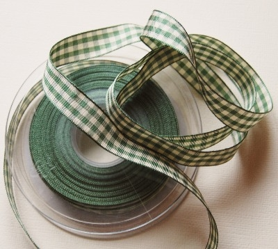 Berisfords Natural Gingham Ribbon - Green 15mm