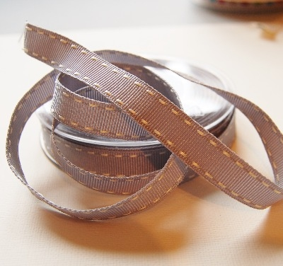Berisfords Vintage stitched ribbon - 15mm grey/cream