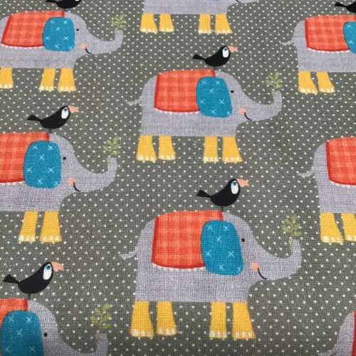 Le Quilt Stof - Elephant & Mynah Bird on grey