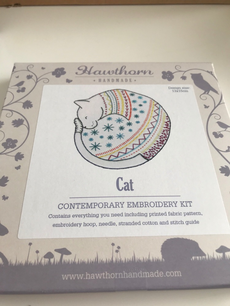 Hawthorn Embroidery Kit - Cat
