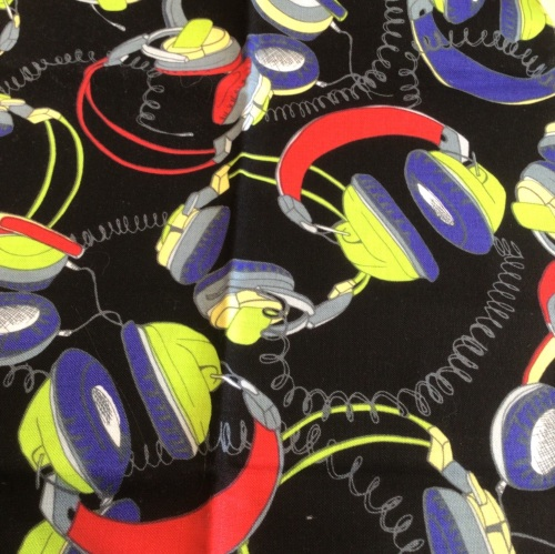Timeless Treasures- Headphones on Black - 2 x FQ available should be £4.00p