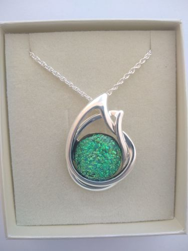 Emerald Double Oval