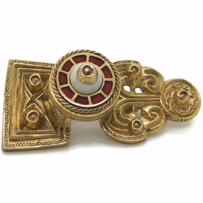 Gotland Disc on Bow brooch