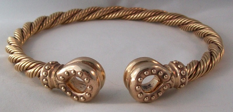 Image of double donut style bronze torc