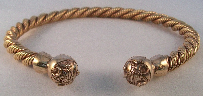 Celtic Ball design bronze torc