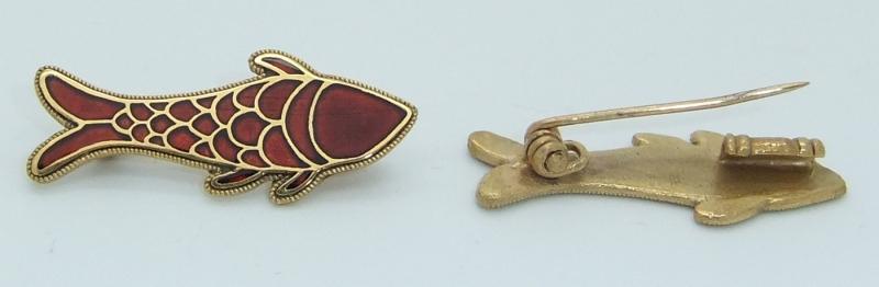 frankish fish brooch rear
