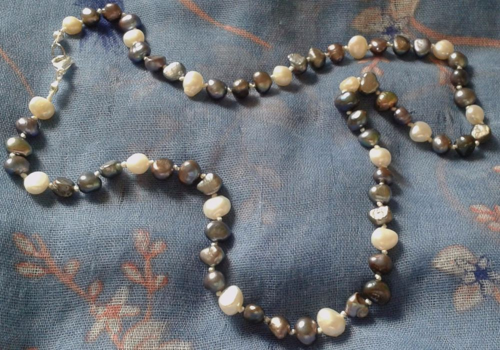 White and Praline Freshwater Pearl Necklace