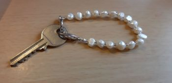 Shabbos Key Bracelet 'Sarah' design with Freshwater Pearls