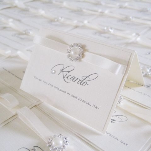 Elegant place name cards with small pearl
