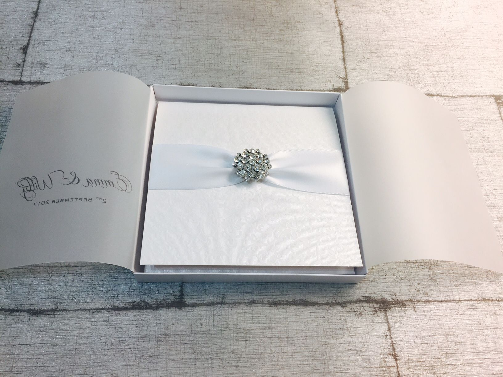Luxury invitations with boxes