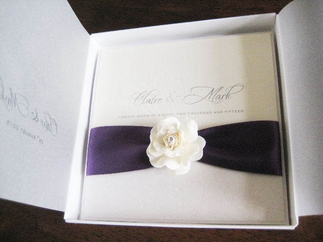 Rose invitation in a box