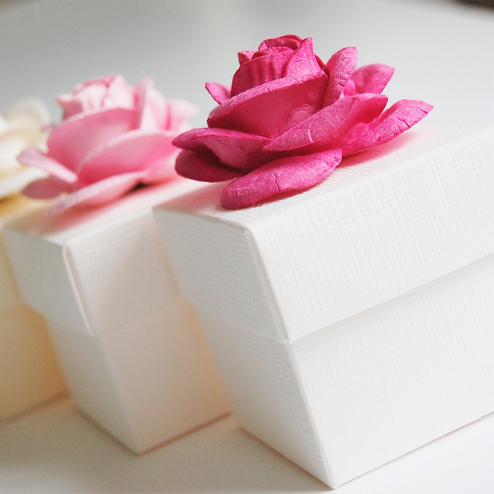 Rose favour boxes