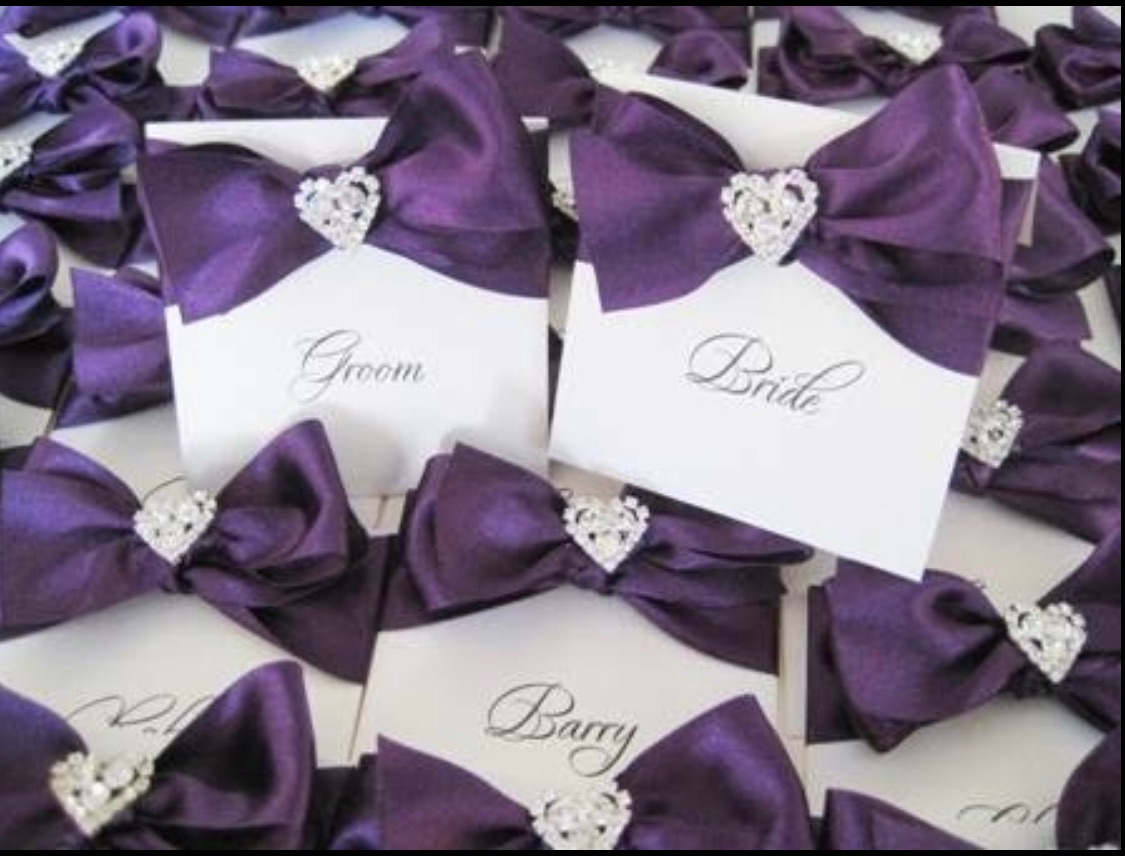 Purple place name settings with crystal heart
