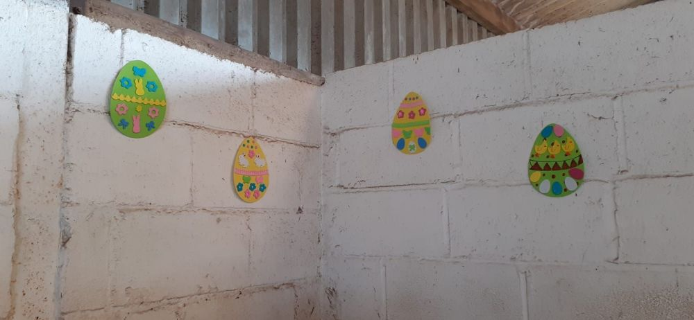 Easter decorations 4 April