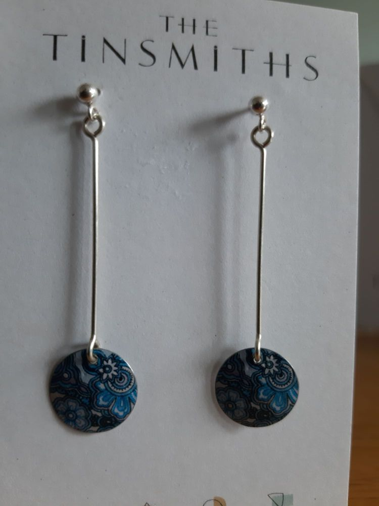 Long drop earrings with turquoise patterned disc